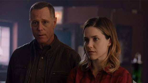 Chicago PD - 2x23 - Voight and Erin