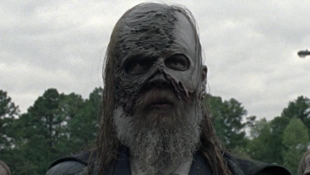 Crítica: Batalha furtiva e Nova Ordem Mundial encerram 10x16 de The Walking Dead
