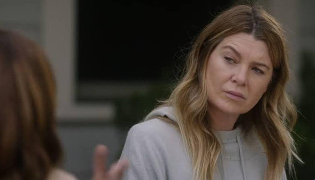 Meredith em cena do 17x16 de Grey's Anatomy